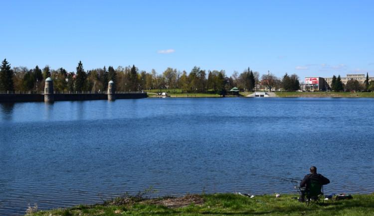 Na jabloneckou přehradu se vrátí ultrazvuk kvůli sinicím. Zatím jen z důvodu prevence