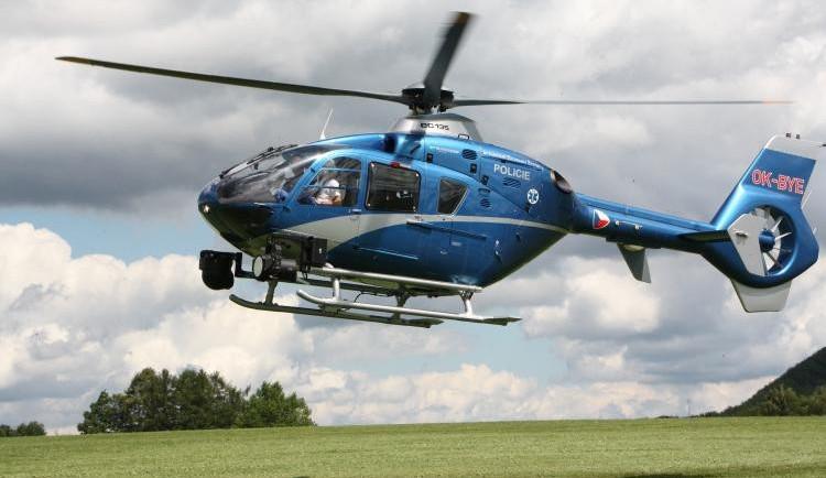 Po ženě pátrali policisté, psovodi i vrtulník. Našli ji bez známek života
