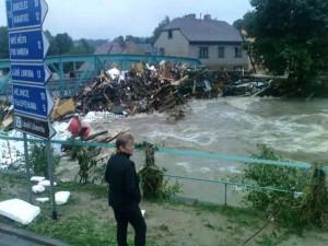 VIDEO: Deset let od povodní. Hasiči na smutné události stále nezapomněli