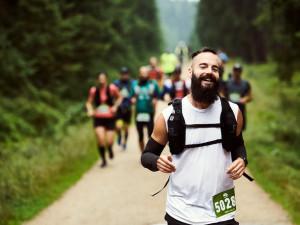 Legendární v zimě, tradiční i v létě – běžecká Jizerská 50 překonala účastnický rekord