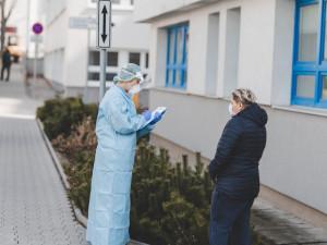 Pomoc pražským hygienikům? Naše kapacita je vyčerpaná, sami máme jiné na výpomoc, zní z liberecké hygieny