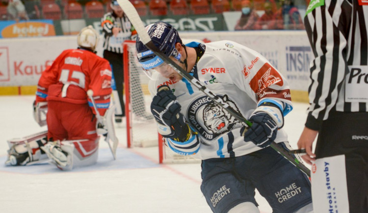 Tygři zvládli i druhé kolo. V Olomouci vyhráli 4:1 i díky dalším dvěma bodům Šmída