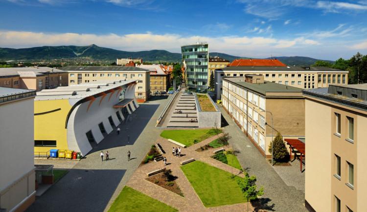 Liberecká univerzita zahájí semestr distanční výukou