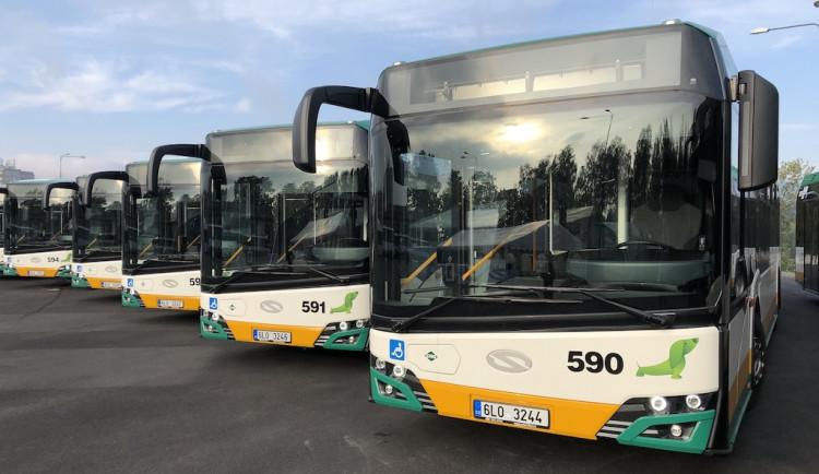 Dopravní podnik nasadí do provozu deset nových kloubových autobusů na zemní plyn