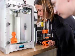Laser i 3D tiskárnu si můžete od října vyzkoušet v iQFABLABu