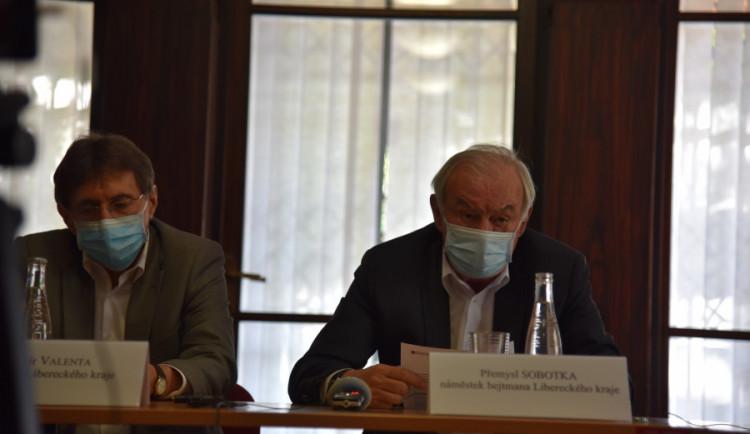 Lidé, neblbněte, máme problém, říká ředitel liberecké hygieny Vladimír Valenta