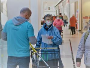 Humanitární organizace v Libereckém kraji nabízejí pomoc seniorům