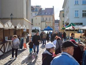 VÍKEND PODLE DRBNY: Online koncerty, úklid Jizerek i trhy na Benešáku