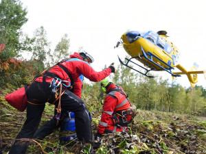Letečtí záchranáři v Liberci budou dál k pacientům i slaňovat