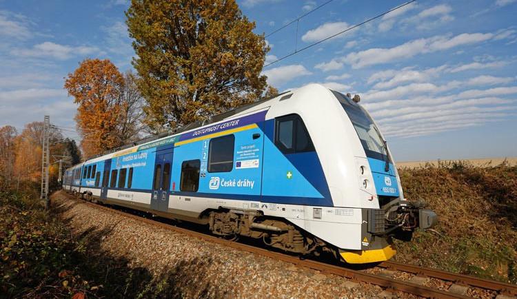 Na začátku prosince nepojedou vlaky mezi Železným Brodem a Turnovem