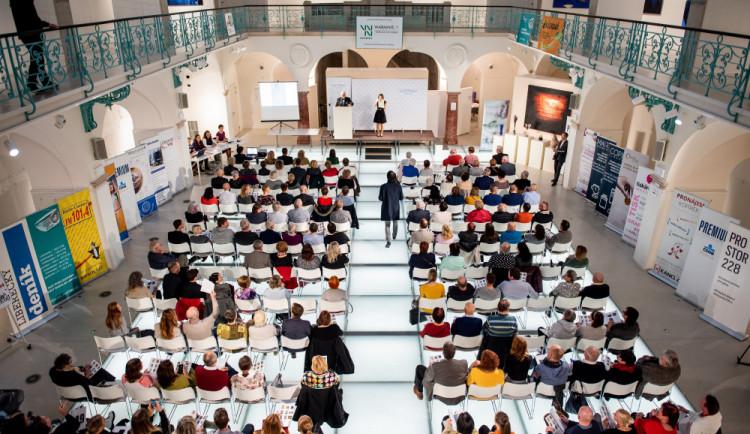V aukci Nadace Euronisa se vydražila díla za bezmála 700 tisíc korun