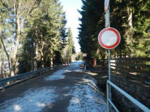 Silnice přes Souš už zůstane zavřená až do jara