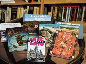 TIP NA DÁREK: Dvanáct knih o našem kraji z Fryčova knihkupectví