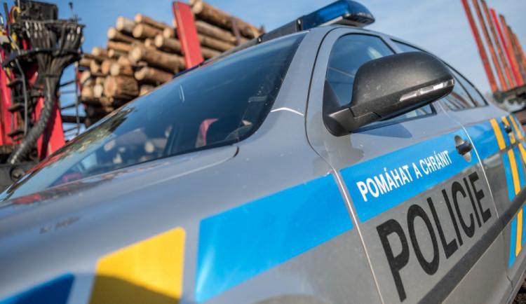 Řidič tramvaje zřejmě nerespektoval signál a projel křižovatku, policie hledá svědky