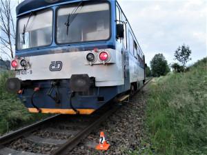 Vlak na nádraží v Novém Boru srazil člověka, ten na místě svým zraněním podlehl