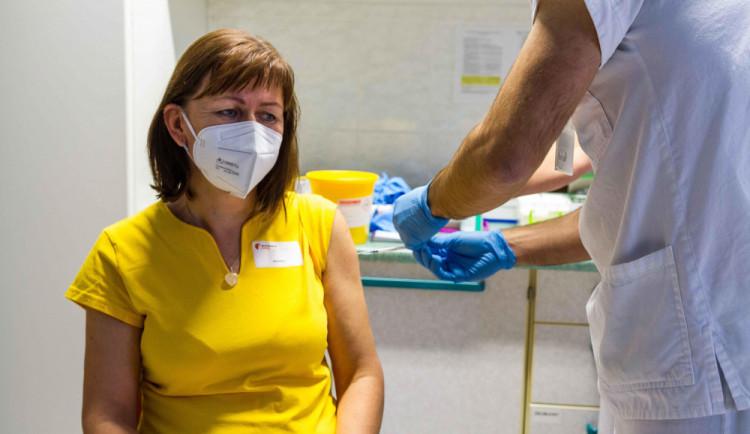 Pro očkování vzniknou velkokapacitní centra. V České Lípě v Crystalu, pro Liberec se místo vybírá
