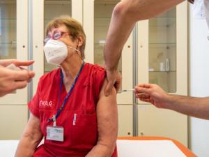 Velkokapacitní očkovací centrum bude v aréně. Zvládne naočkovat 1200 lidí denně