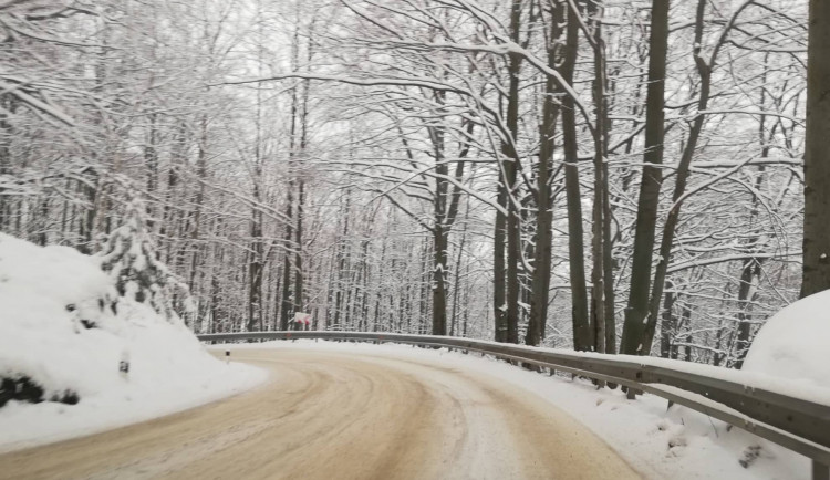 Cesta z Jeřmanic na Rádlo se od pondělí uzavře. Neprůjezdná zůstane do jara