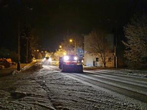 V Libereckém kraji od rána sněžilo, problémy měly především kamiony