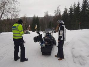 Policisté vyrazili o víkendu na hory. Kontrolovali dodržování vládních nařízení