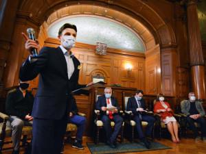 Medaili města Liberce získá devět kandidátů. Mezi nimi dálková plavkyně Pechová nebo lyžařský trenér Honců