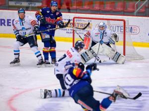 Tygři vyhráli v Budějovicích a drží čtvrté místo zaručující play off