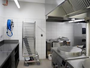 Škola na Husovce má novou kuchyň za 30 milionů