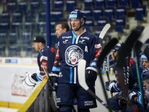Ladislav Šmíd bude Tygrům chybět dál. Má za sebou operaci krční páteře