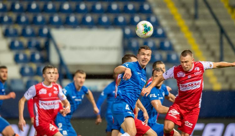 Slovan vrátil nováčkovi porážku. V atraktivním zápase porazil Pardubice 4:1