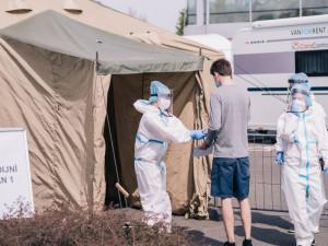 Odběrové místo v Harrachově po jediném dni končí. Polsko změnilo podmínky pro vstup