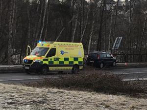 Při nehodě u Kauflandu v Pavlovicích zemřel řidič. Policie nevyloučila náhlé zdravotní komplikace