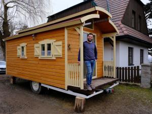 Maringotku proměnil Ondřej Vácha za šest měsíců v rodinný klenot, teď se mu hrnou další zakázky na přestavby