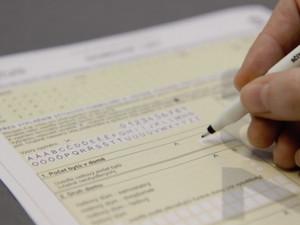 Lidé se starými občanskými průkazy se nemohou sečíst on-line