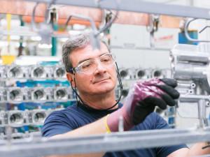 Zaměstnanci Knorr-Bremse si přístupem k práci sami určují výplatu. Chceme dát lidem příležitost k rozvoji, zní ze společnosti
