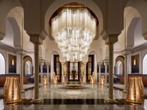 Byla to výzva, říkají skláři z Lasvitu. Jejich plastiky zdobí jeden z nejkrásnějších hotelů na světě