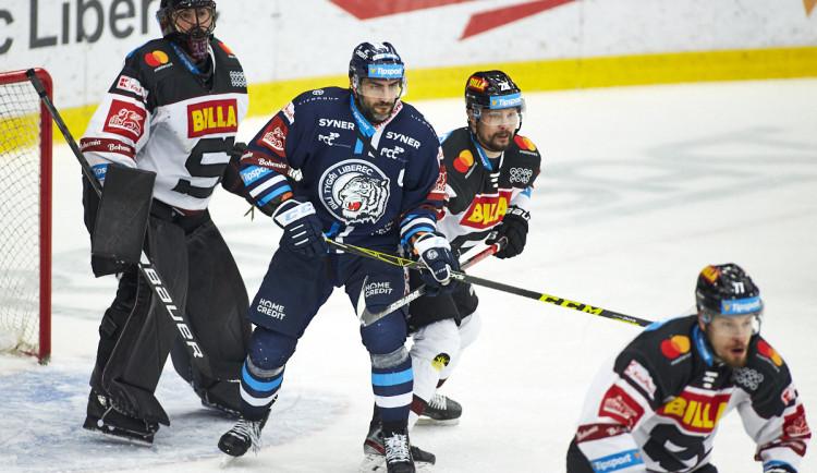 Vůbec jsme se netlačili do brány, hledal příčiny první porážky v play off kapitán Jelínek