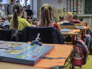 První den testování na koronavirus ve školách bez komplikací. Ani jedno dítě nebylo pozitivní