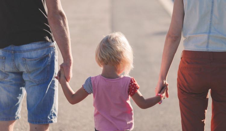 Zájem o osvojení do náhradní péče vzrostl loni v kraji o třetinu