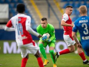 Slovan opět neskóroval a prohrál se Slavií gólem z penalty. Poháry se vzdalují