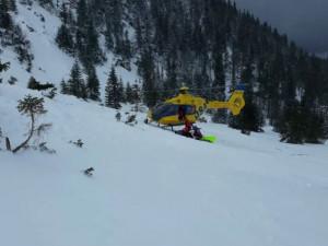 Úmrtí pod lavinami bylo letos nejvíc za 23 let. Horští záchranáři očekávají i perné léto