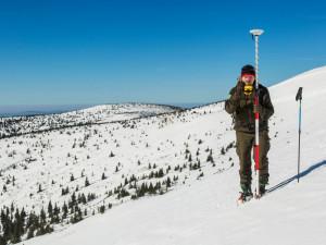 Mapa republiky v Krkonoších hlásí stále přes půl metru sněhu