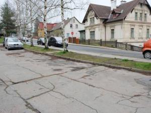 Poslední část Husovy ulice ve Frýdlantu projde obnovou včetně parkoviště