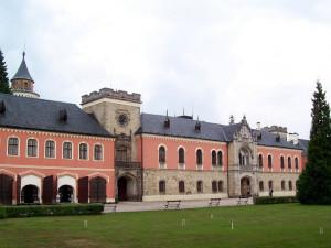 Střecha zámku na Sychrově se dočká obnovy za 33 milionů korun
