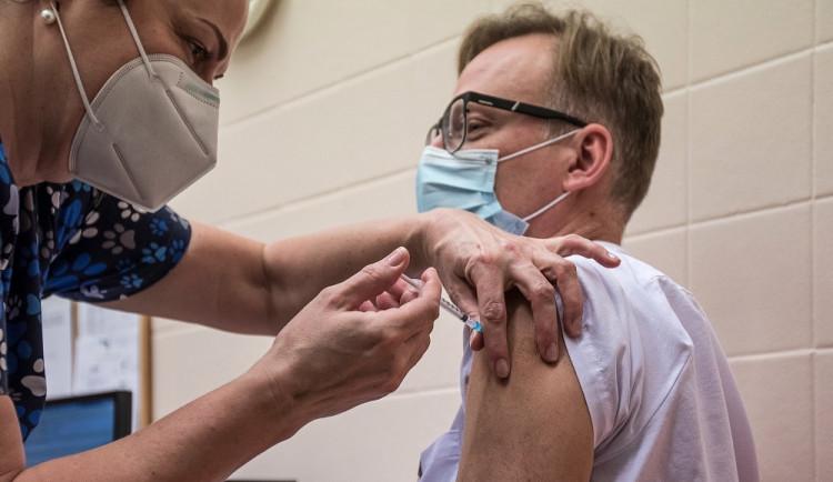 Dvacet procent obyvatel kraje dostalo alespoň jednu dávku vakcíny proti koronaviru