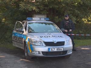 Střelba v Rudolfově má druhou oběť, po převozu do nemocnice zemřel i muž
