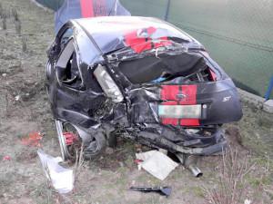 Způsobil vážnou nehodu, mladé spolujezdkyně mohou mít doživotní následky. Jel jako formule, řekl svědek