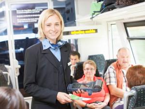 Příjemné prostředí, benefity a stabilní zaměstnavatel. Vlakový dopravce Die Länderbahn hledá nejen nové strojvedoucí, průvodčí a dispečery