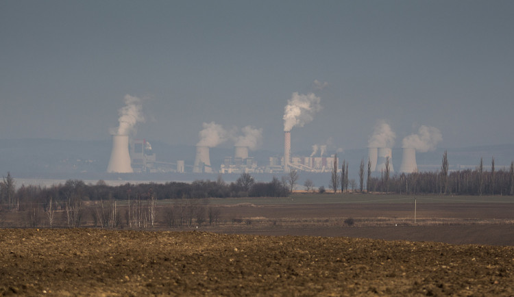 Obyvatelé Uhelné jsou zděšeni jednáním o Turówu. Rypadla se každý den přibližují, bojí se