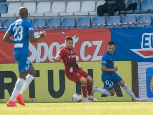 Slovan na závěr ligové sezony podlehl Olomouci 1:2 a obsadil šesté místo. Poháry nebudou