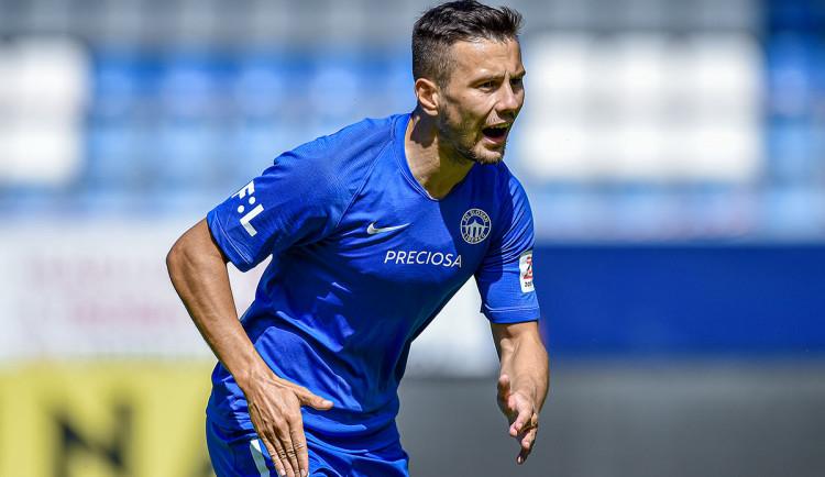 Pešek opouští Slovan, na tři roky se upsal Spartě